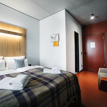 Hotel Rossi Berlin Zimmer barrierefreiHotelzimmer funktional modern